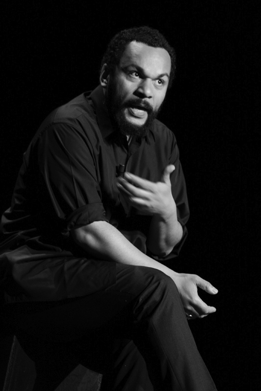 dieudonne-black-and-white